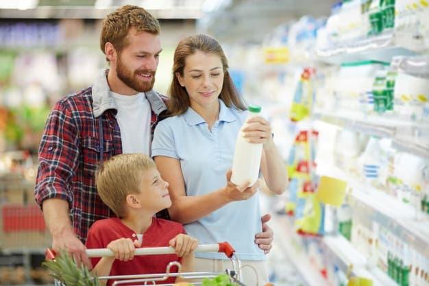 ครอบครัวซื้อนม
