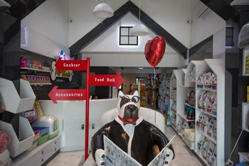 ร้าน Pet Shop กับป้ายบอกโซนสินค้า