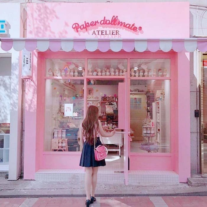 front pink gift shop