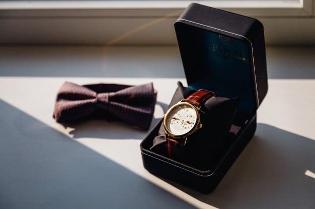 นาฬิการ้านขายของขวัญ