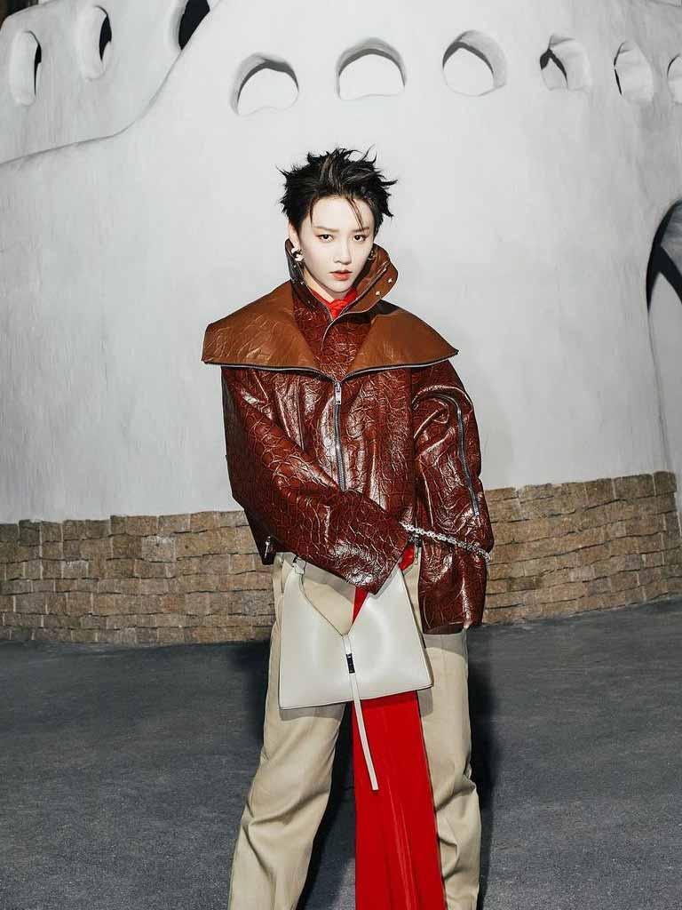 หลิวอวี่ซิน The9 กับแบรนด์ Givenchy